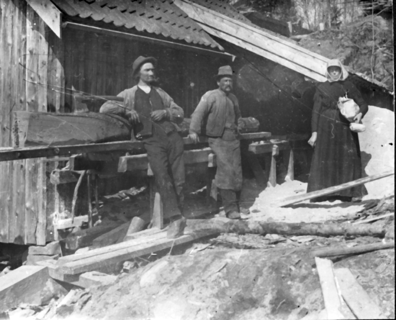 Et skaft å holde i  : Fossli skaftefabrikk i Lommedalen – en glemt småindustri