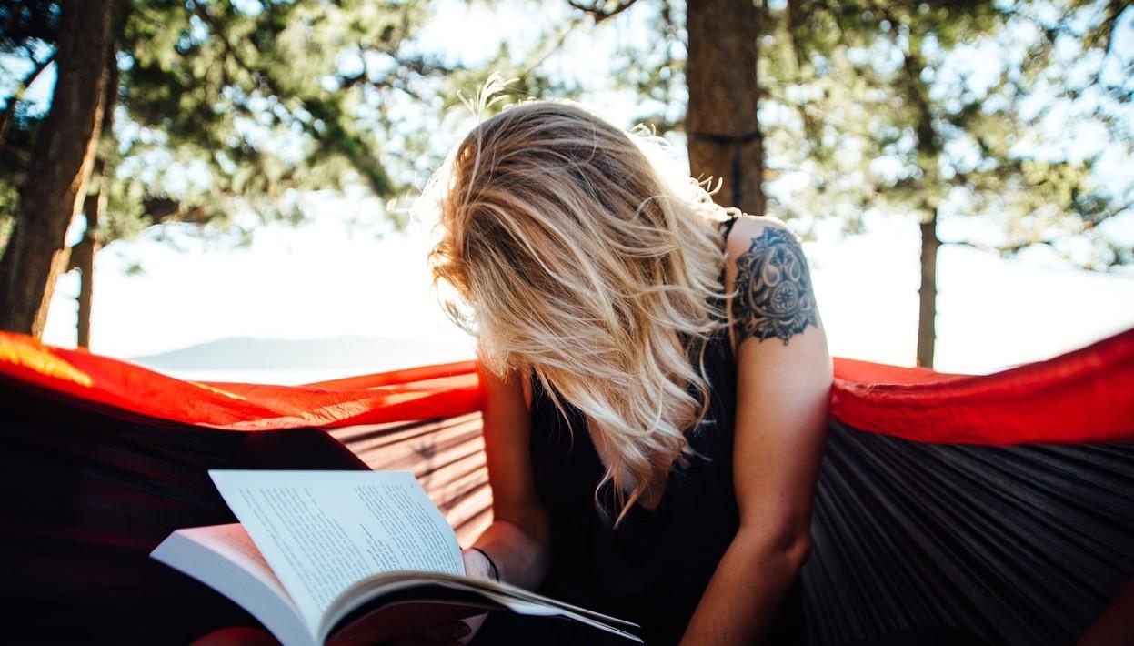 Dame som leser